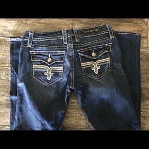 Rock Revival (Straight) Jeans!